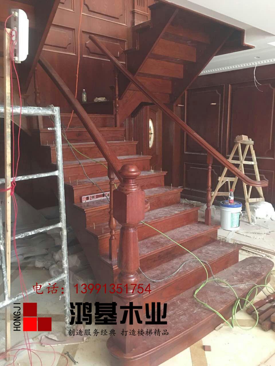 (西安市厂家直销实木楼梯)美国红橡木定制双边弧形实木楼梯-鸿基楼梯